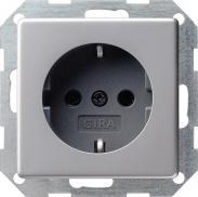 Розетка с заземлением Gira E22 0453203
